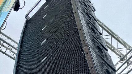 EAW KF 740 line array festival geluidsverzorging
